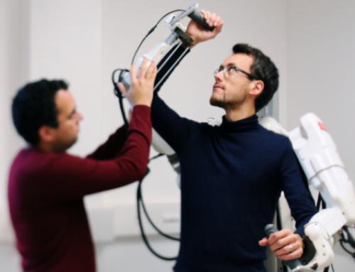 Un patient tétraplégique a réussi à marcher grâce à un exosquelette connecté à son cerveau